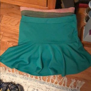 Forenza Kelly green skirt with zipper accent